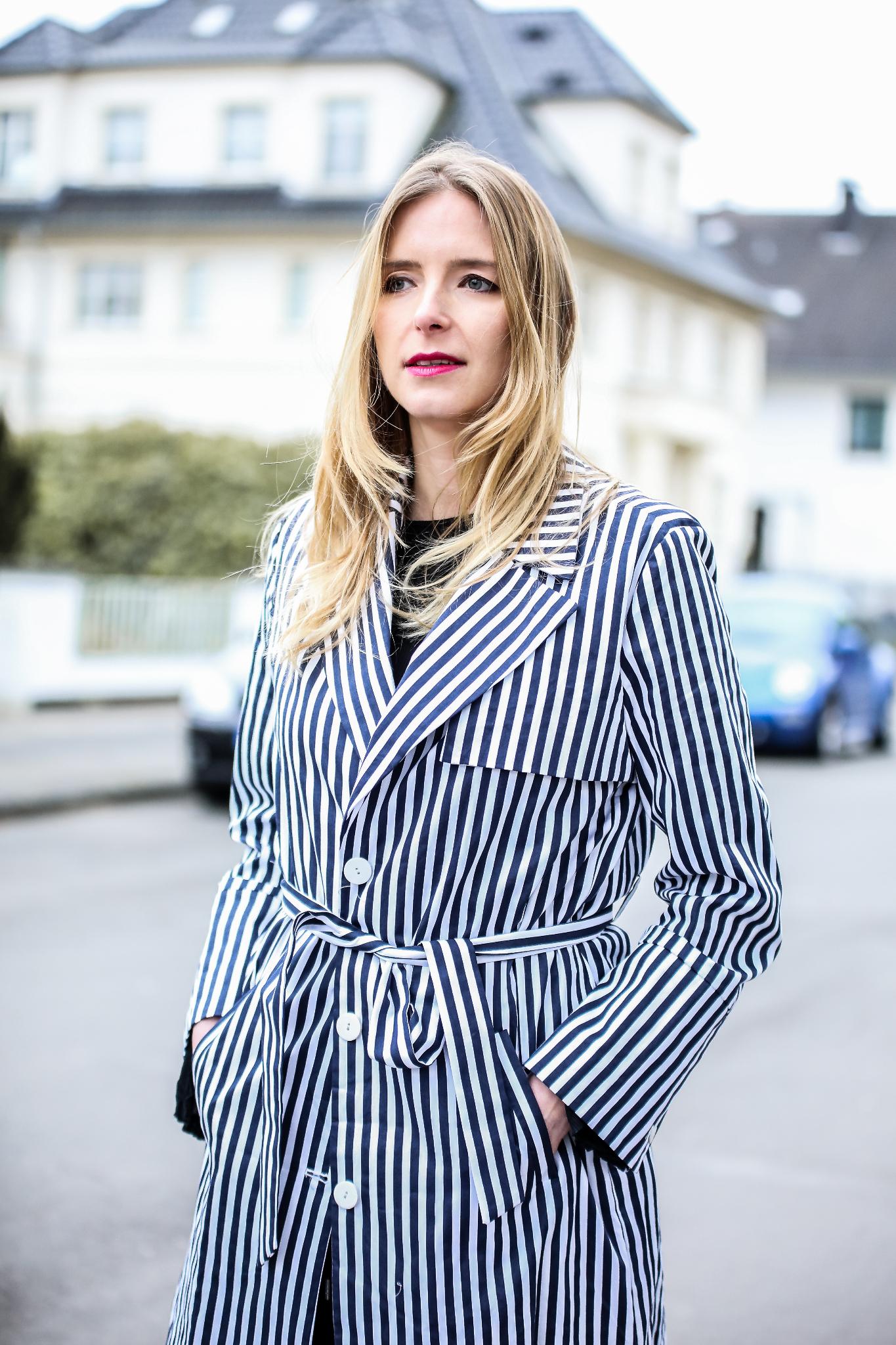MOD-by-Monique-Fashion-Looks-Striped-Coat-Big-Volants-9