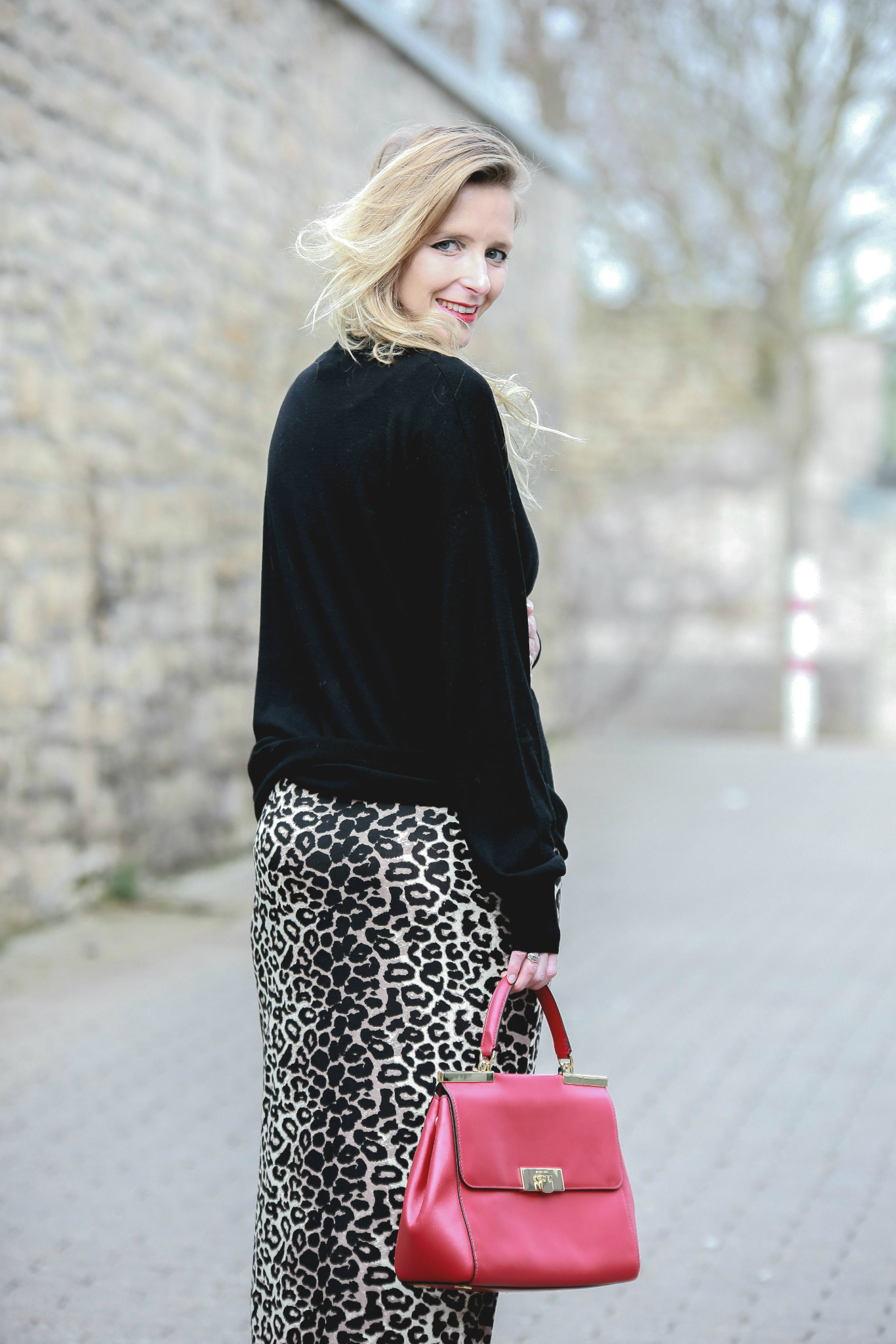 Fashion_Outfit_Red_Leo_Maxiskirt-12