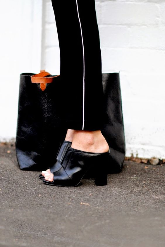 MOD - by Monique_Shopping_Mules_Perfect_Shoes_For_Spring_15