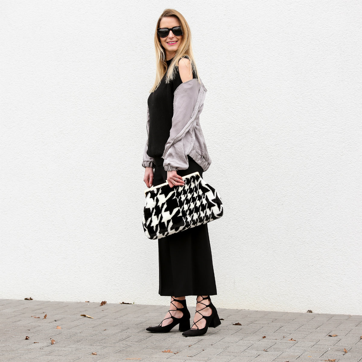 Fashion_Outfit_Satin_Bomber_Cold_Shoulder_MOD - by Monique-25_pix