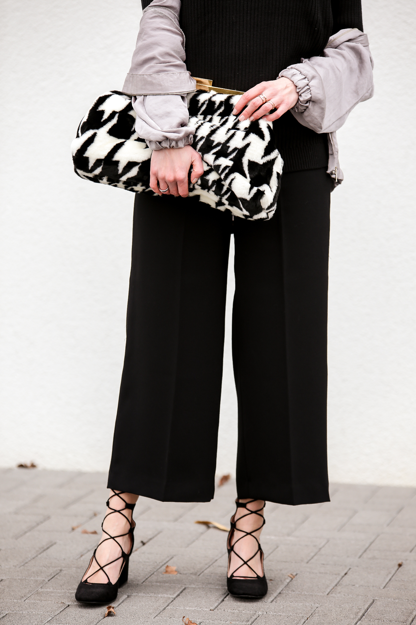 Fashion_Outfit_Satin_Bomber_Cold_Shoulder_MOD - by Monique-4
