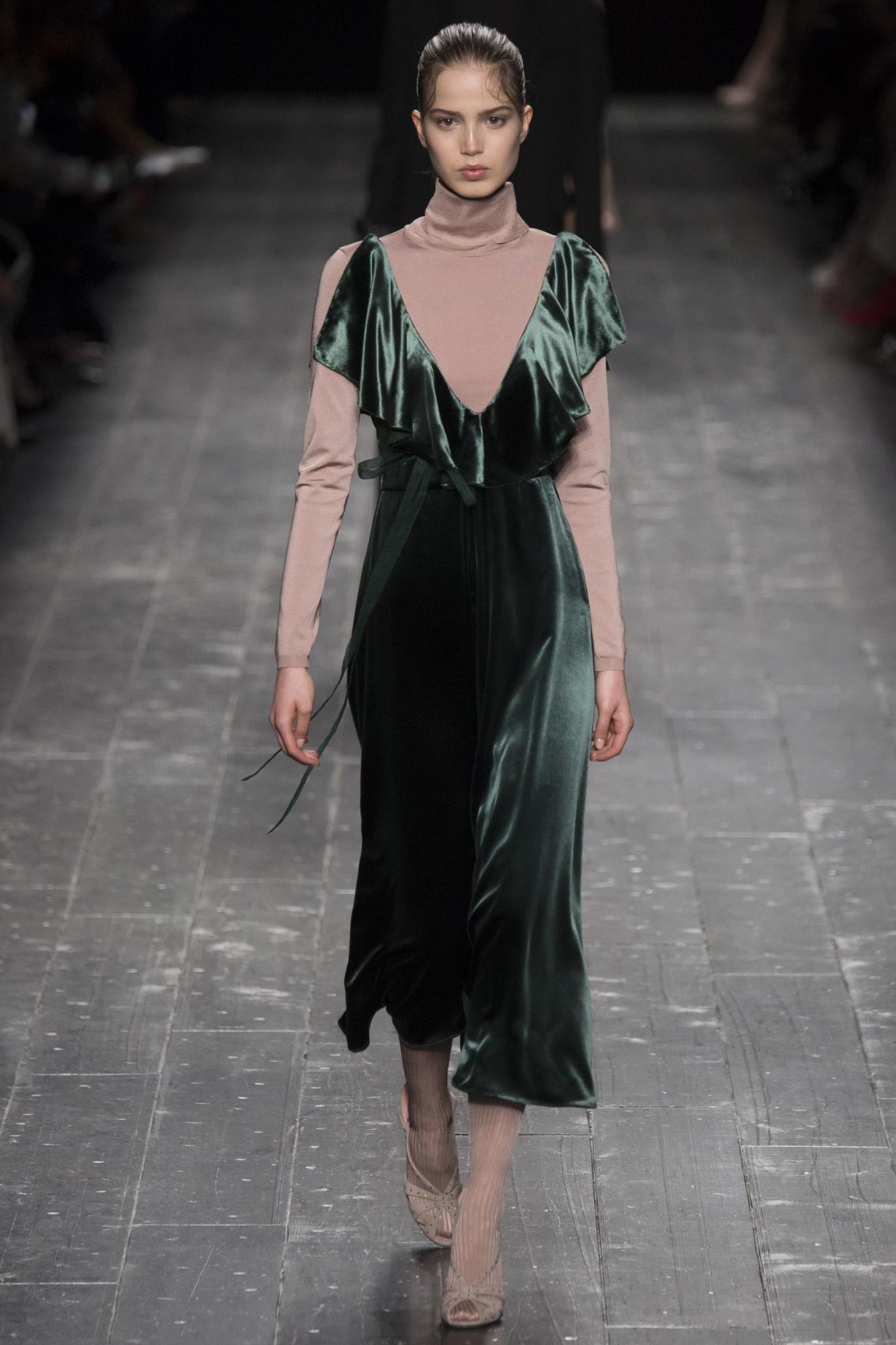 MOD-by-Monique-Fashion-Trend-Velvet-Valentino-2