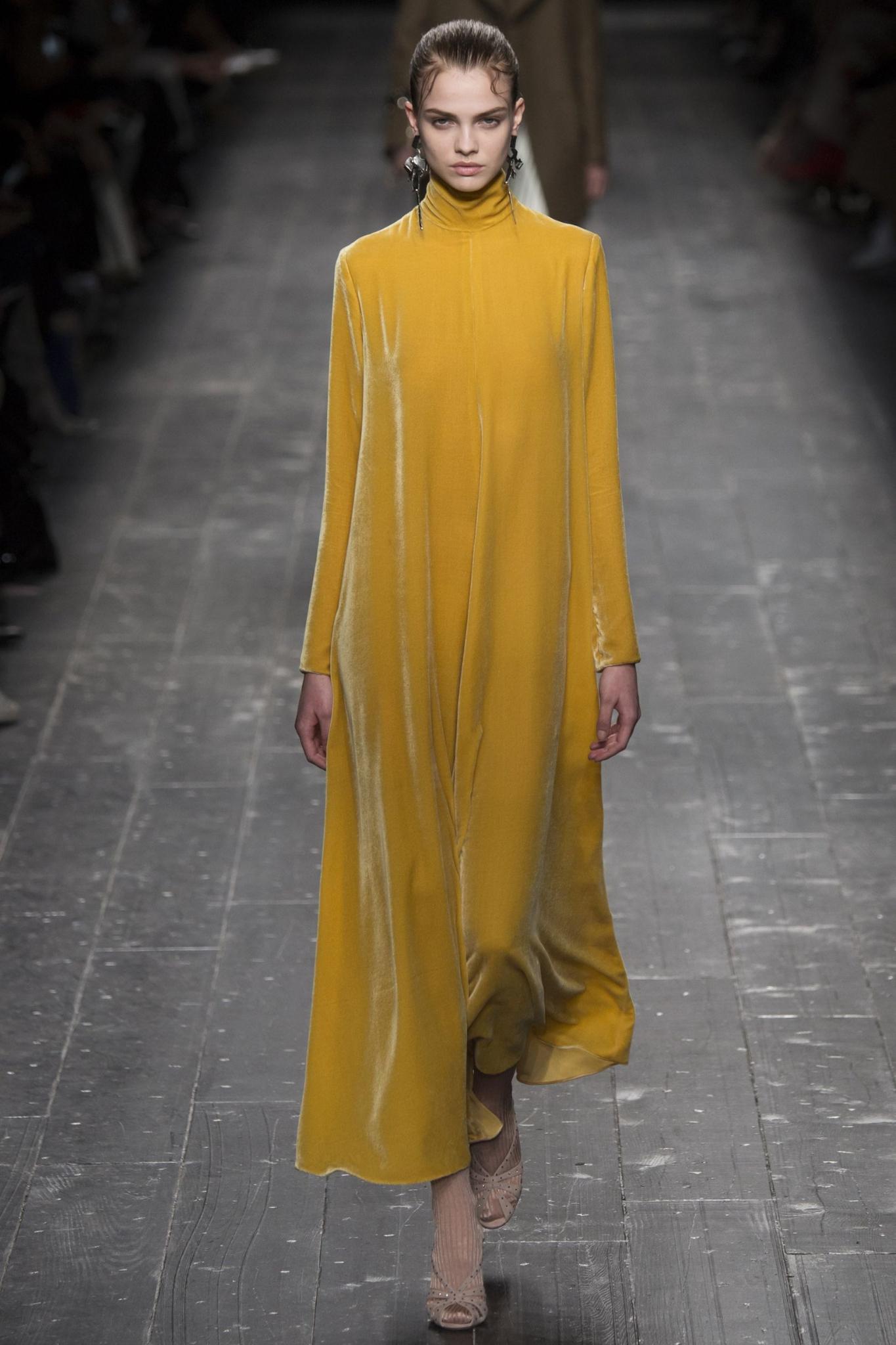 MOD-by-Monique-Fashion-Trend-Velvet-Valentino