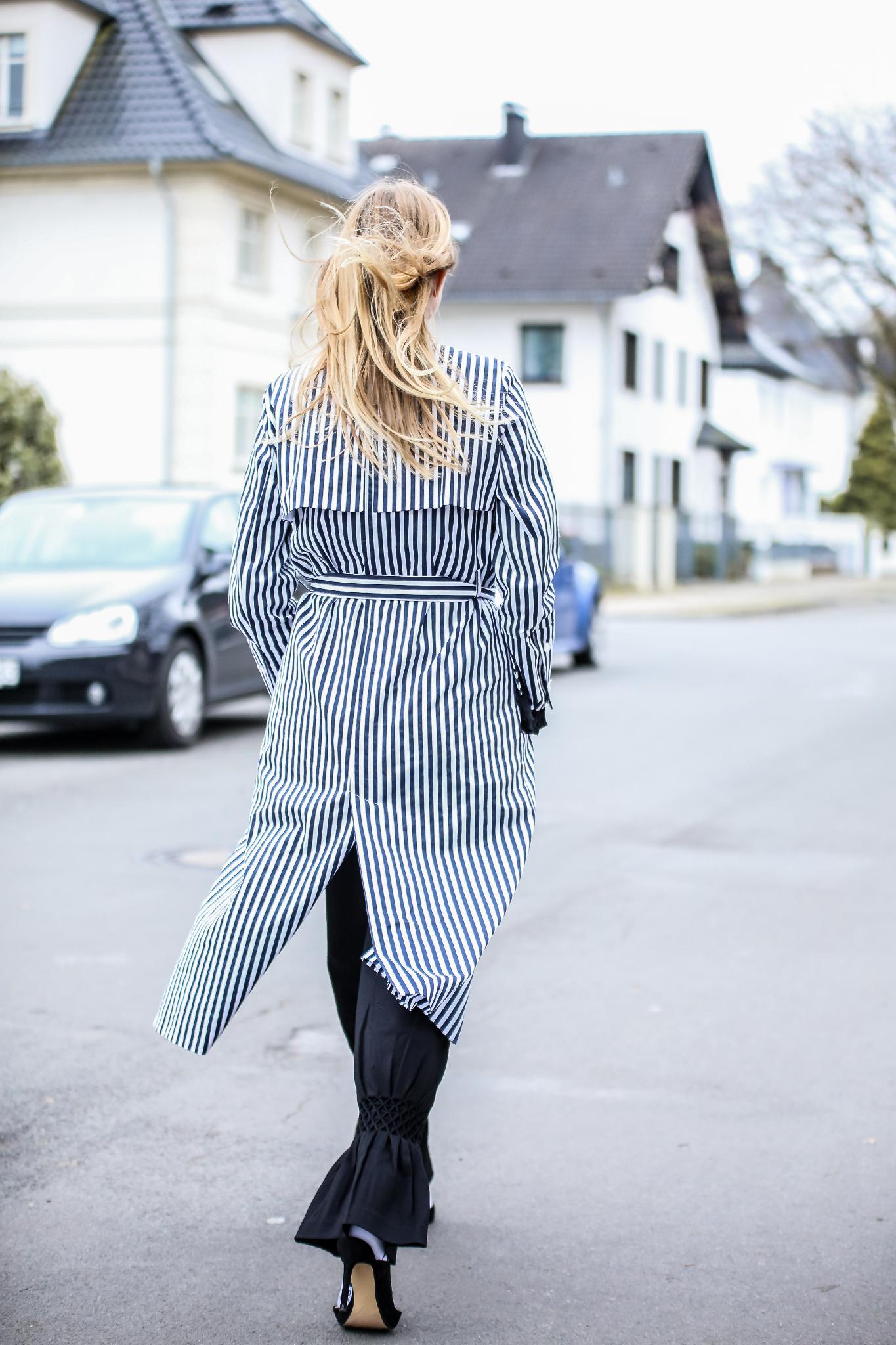 MOD-by-Monique-Fashion-Looks-Striped-Coat-Big-Volants-11