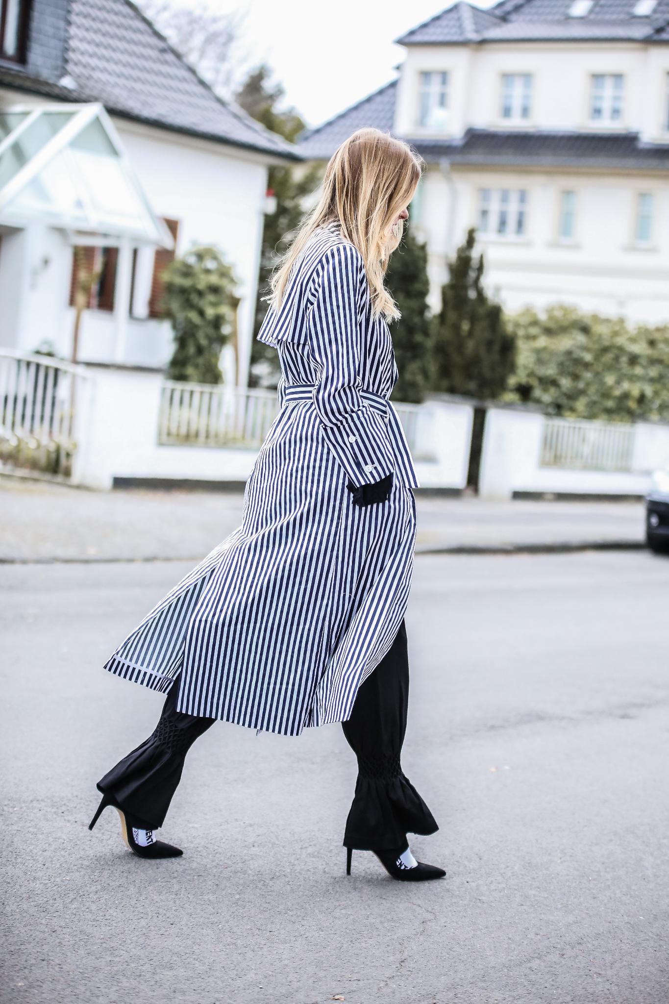 MOD-by-Monique-Fashion-Looks-Striped-Coat-Big-Volants-14
