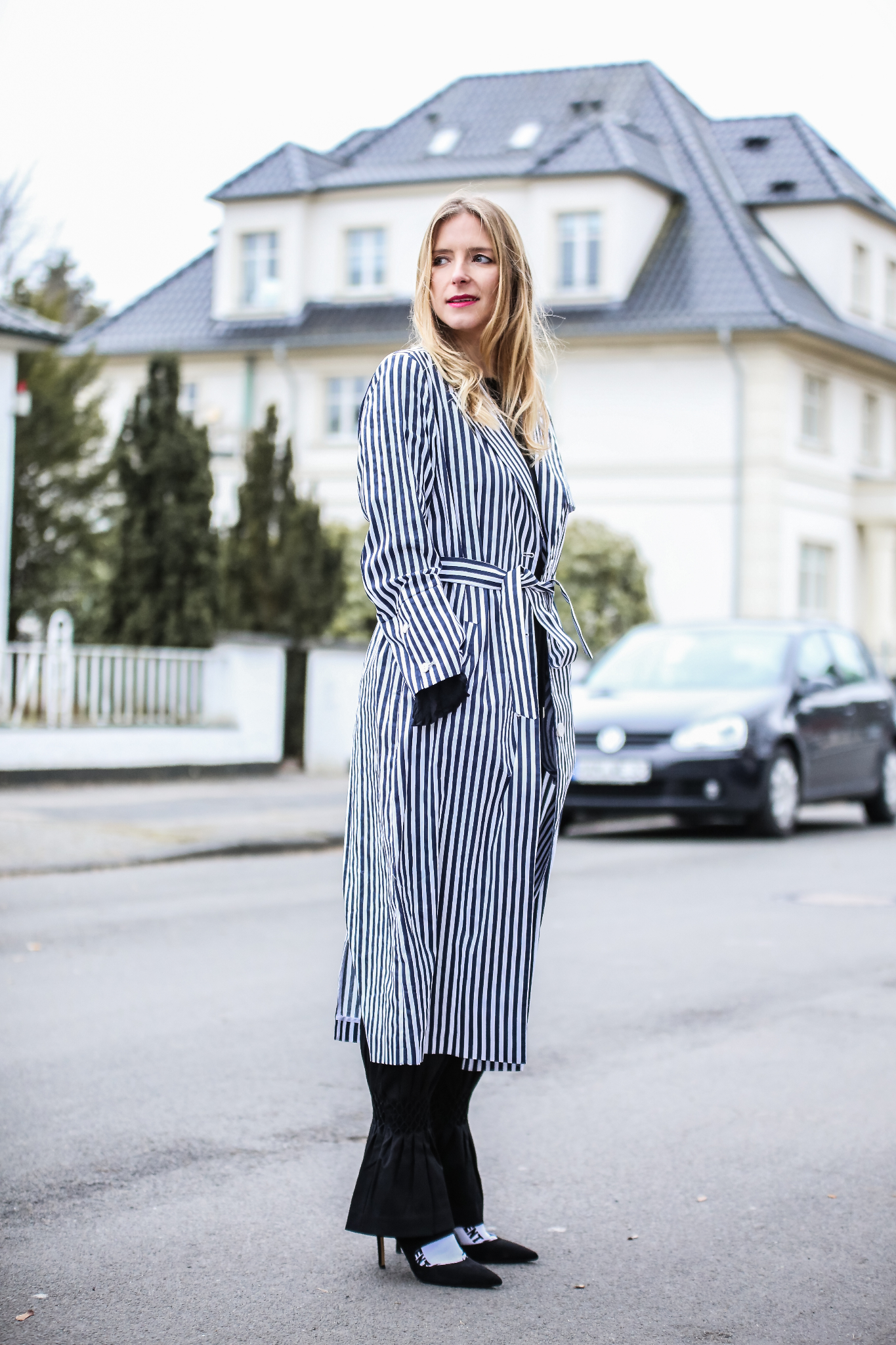 MOD-by-Monique-Fashion-Looks-Striped-Coat-Big-Volants-20
