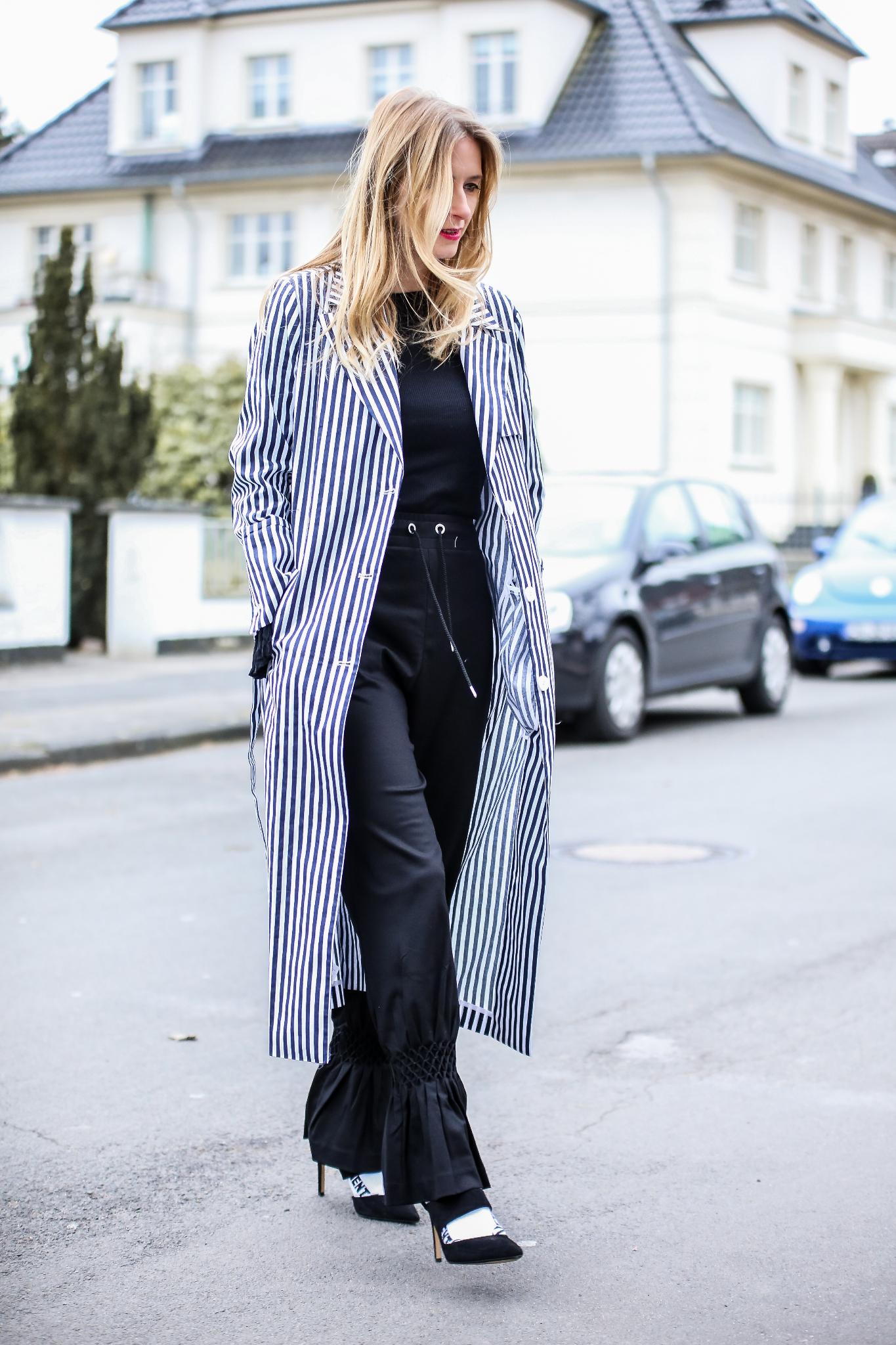MOD-by-Monique-Fashion-Looks-Striped-Coat-Big-Volants-5
