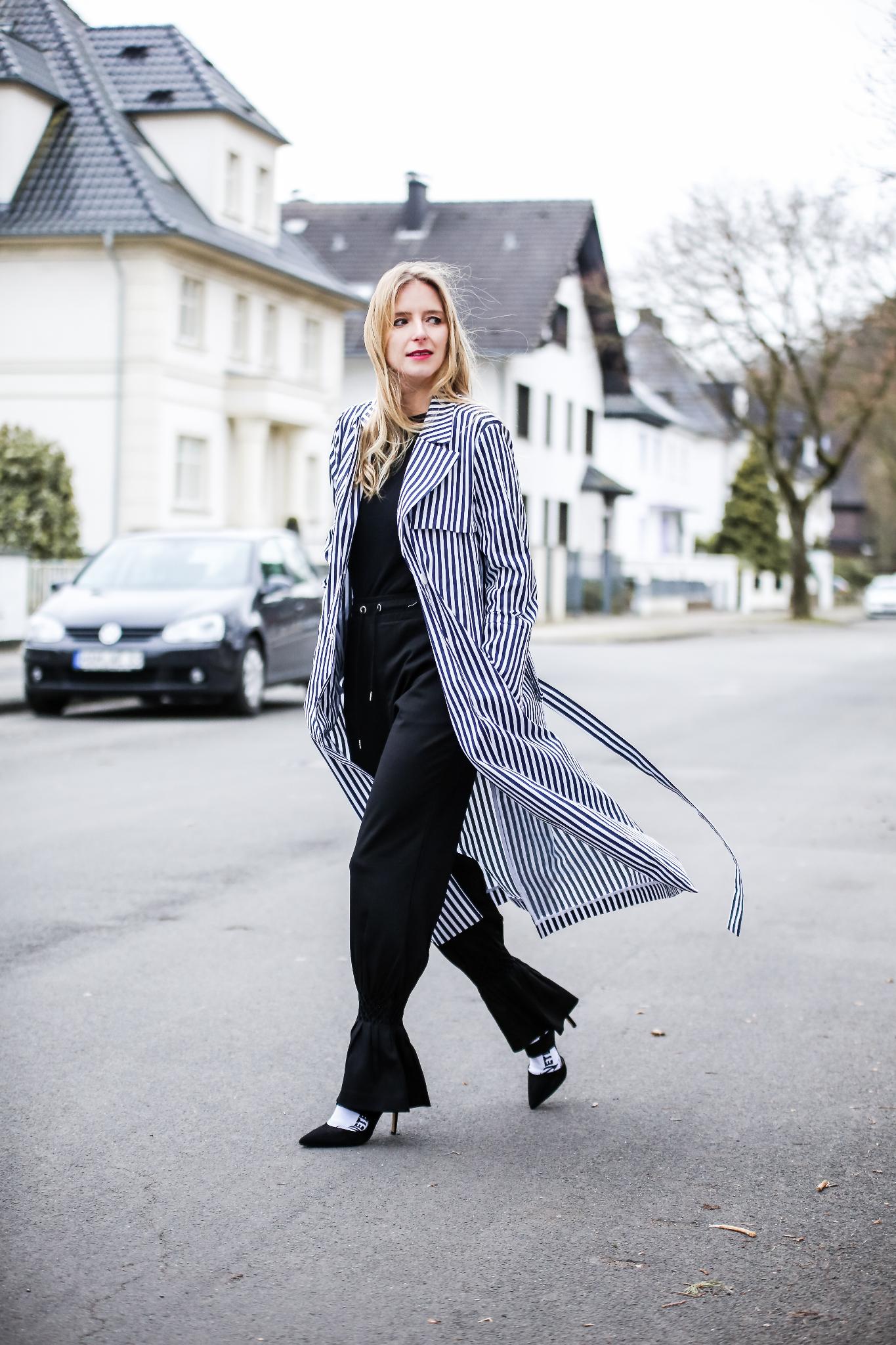 MOD-by-Monique-Fashion-Looks-Striped-Coat-Big-Volants