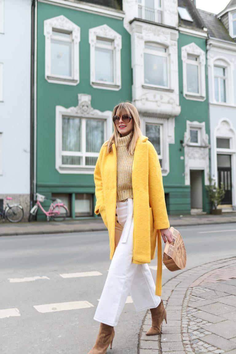 Yellow coat w/ Balenciaga